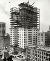 Shorpy.com: Dime Building Detroit under Construction in 1911